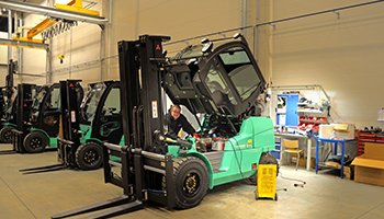 Forklifts Shippingfrom UK to Pakistan at Cheapest Rates
