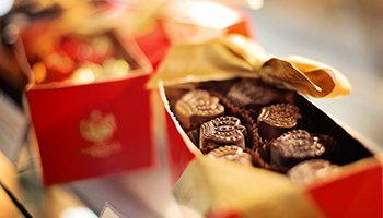 Send Chocolatesfrom UK to Pakistan at Cheapest Rates
